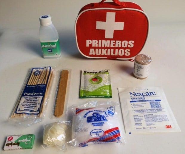 Botiquín de primeros auxilios escolar
